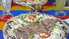 Aquí en la ciudad de México podrá degustar la famosa cocina oaxaqueña.