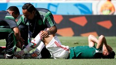 Durante el partido contra Holanda, Héctor Moreno sufrió una fractura de tibia al chocar contra Arjen Robben.