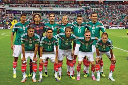 La selección mexicana de futbol ascendió dos lugares en el ranking de la Federación Internacional de Futbol Asociación.