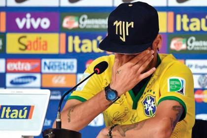 Neymar soltó el llanto al recordar la lesión que estuvo a punto de dejarlo en silla de ruedas.