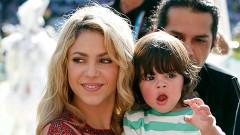 Shakira se hizo acompañar en el escenario por su pequeño hijo Milan.