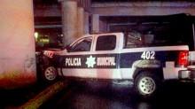 Así fue encontrado el vehículo donde se transportaban policías de Ixtapaluca; uno murió.