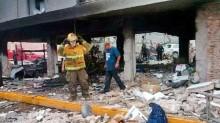 Además de la muerte de una personas y seis más lesionadas, la explosión causó severos daños materiales en las oficinas de la aduana.
