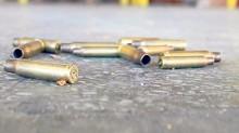 Casquillos percutidos fueron localizados en el lugar donde sujetos armados mataron a cinco personas en Acapulco, Guerrero.