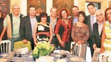 Las asociaciones reunidas en Puebla con el gobernador y el titular de Turismo en la entidad.