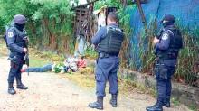 Los cuerpos fueron localizados por agentes federales y estatales.