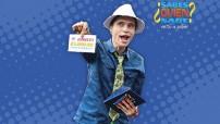 Cada domingo por Canal 13 a las 18:00 horas, a lo largo de 60 minutos, el público televidente se divierte con Javier Merino, un conductor con amplia trayectoria en la televisión mexicana.