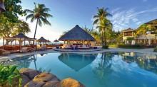 Vista de la zona de la alberca en el hotel de Isla Mauricio.