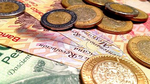 """Los nuevos salarios mínimos generales que aplicarán a partir del 1 de enero de 2015 son: para el área geográfica """"A"""", 70.10 pesos diarios; y para la """"B"""" el salario mínimo general será de 66.45 pesos diarios."""