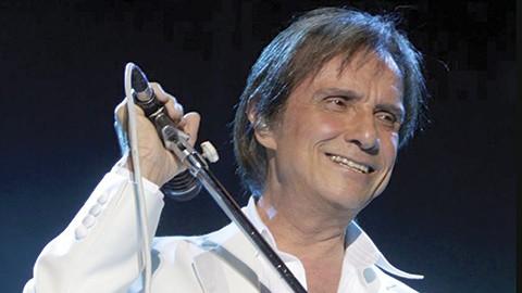 """Los productores de """"Narcos"""", que se filma en Colombia bajo la dirección del brasileño José Padilha, habían solicitado la autorización de Roberto Carlos para incluir uno de sus temas en la banda sonora de la serie."""