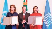 Nuria Sanz, José Antonio Meade y Claudia Ruiz Massieu.
