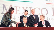 Durante la firma del convenio.