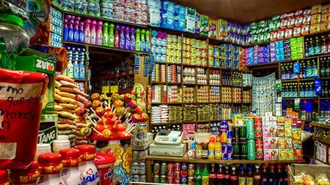 Por disposición oficial deberán cambiar al nuevo etiquetado más de 32 mil productos desde hoy.