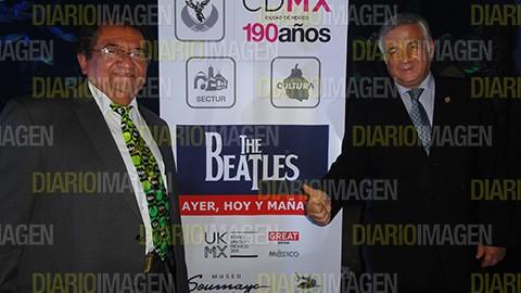 Ricardo Calderón, embajador de Liverpool en México, y  el titular de la Secretaría de Turismo del Distrito Federal, Miguel Torruco Marqués. foto Asael Grande