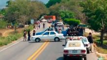 Tres personas muertas, tres heridas y al menos cuatro detenidas es el saldo preliminar de un  enfrentamiento de fuerzas de seguridad y civiles armados en Chilpancingo, Guerrero.