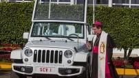 Fueron bendecidos dos vehículos Jeep Wrangler y tres camionetas Dodge Ram, que serán utilizados en la Ciudad de México, Ecatepec, Tuxtla Gutiérrez, San Cristóbal, Morelia y Ciudad Juárez. Asimismo, seis automóviles cerrados Fiat 500L que se usarán para trayectos largos.
