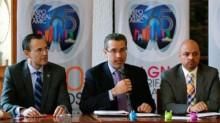 Al centro, Jorge Romero Delgado, comisionado de Fomento Sanitario de la Cofepris.