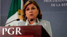"""La procuradora Arely Gómez González señaló que la PGR, a través de su ministerios públicos adscritos, estará dando seguimiento los demandas que interponga la defensa de Joaquín """"El Chapo"""" Guzmán."""