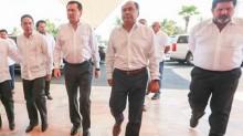 El secretario de Gobernación, Miguel Ángel Osorio Chong, se reúne en Acapulco con empresarios y dirigentes de cámaras empresariales ante la inseguridad que impera en el puerto.