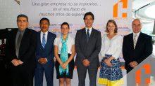 Durante la conferencia de prensa de  Chinoin Productos Farmacéuticos.
