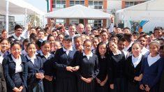 El secretario de Educación Pública, Aurelio Nuño Mayer, afirmó que el futuro de los niños no es negociable.