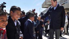 Eruviel Ávila - Inaugurando escuelas de educación básica en campos militares.