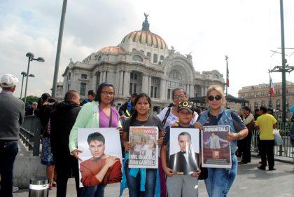 El pueblo de México no quiso perderse el adiós a Juan Gabriel.