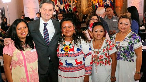 El nuevo modelo educativo debe permitir que la educación indígena sea también de gran calidad, afirma Aurelio Nuño.