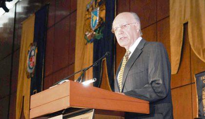 José Narro Robles se posiciona como uno de los aspirantes más fuertes del PRI.