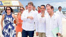 """En la presentación del """"Parque Público Playa Langosta"""", en el CIP Cancún."""