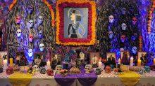 El altar de muertos, en exhibición.