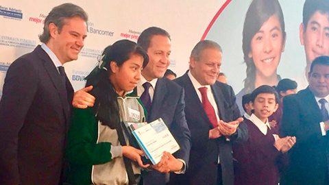 El gobernador Eruviel Ávila Villegas destacó los más de mil 300 millones de dólares que  Waltmart destinará en el Estado de México.