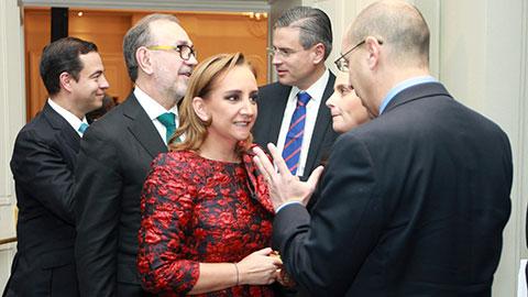 La canciller, Claudia Ruiz Massieu, participó en el U.S.-México CEO Dialogue, donde se trató la importancia del libre comercio.